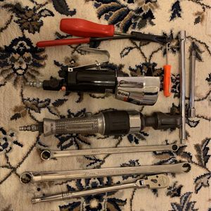 Valve Adjuster Cut Off Tool 3/8 Ratchet And 3/8 Air Ratchet 2 Half In Extension And 2 Combo Wrench for Sale in Fairfax, VA