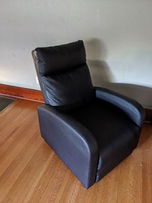 FREE RECLINER for Sale in Los Angeles, CA