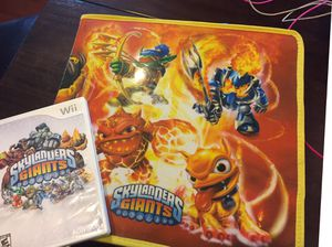 Wii Skylanders Giants Game, Figures and carry box for Sale in Millerton, NY