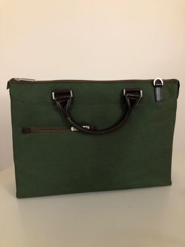 Urbana Briefcase – Slim Laptop Case with shoulder strap - Forest Green