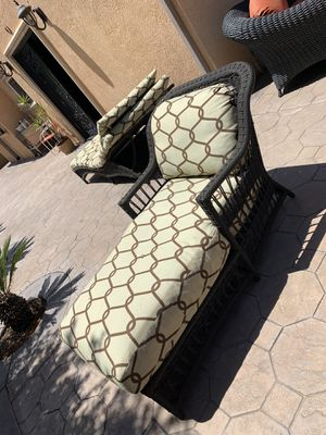 PATIO FURNITURE - VERY GOOD CONDITION for Sale in Shadow Hills, CA
