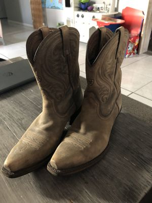 Ariat Western Boots sz8 Women for Sale in Boynton Beach, FL
