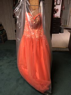 PROM GOWN for Sale in Chillicothe,  IL