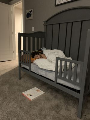 Free crib with toddler bed conversion option for Sale in Kent, WA