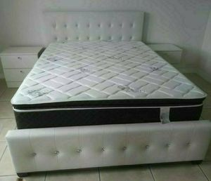 NEW BEAUTIFUL QUEEN DIAMOND BED WITH MATTRESS AND 2 NIGHTSTANDS for Sale in Biscayne Park, FL