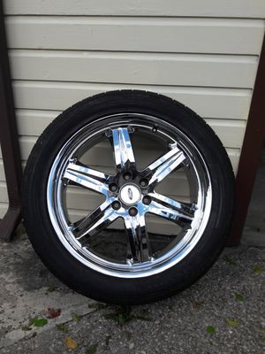 22 inch chrome Ford rims & tires for Sale in Euclid, OH