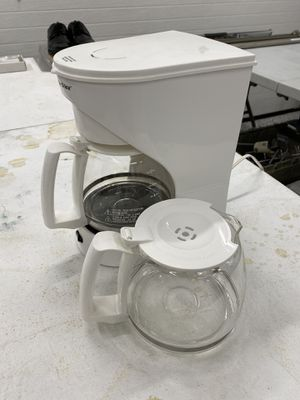 Coffee Maker and Extra Pot for Sale in Chesapeake, VA