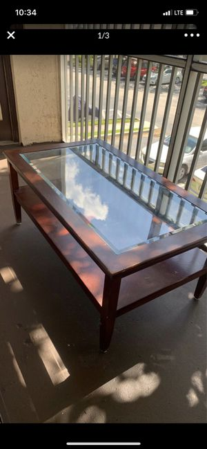 Coffee table for Sale in Greenacres, FL