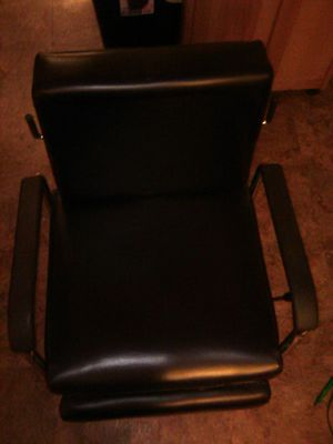 Salon/Tattoo chair for Sale in Stockton, CA