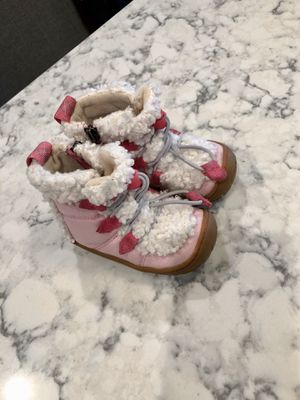 """Toddler Uggs """"Billie"""" Boots, Size 5 for Sale in Strongsville, OH"""