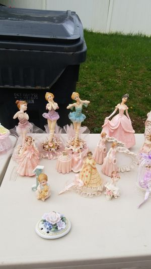 Dolls all for $10 for Sale in Annandale, VA