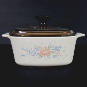 Corningware 1.5 Quart Covered Casserole for Sale in Aurora, OH
