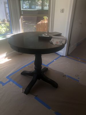 Round top bar height table and chairs for Sale in Chesapeake, VA
