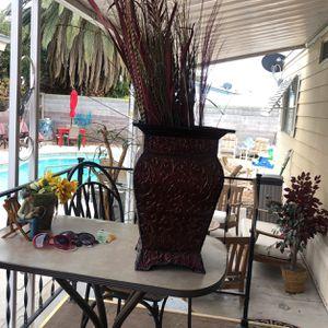 Burgundy Flower Pot for Sale in Las Vegas, NV