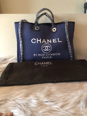 Chanel bag for Sale in Bolingbrook, IL