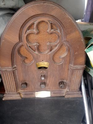"""Vintage """"Stylized Version of the Baby Grand"""" Produced By Philco-Ford Corp Circa 1930-1936-$50 OBO- STILL WORKS GREAT! for Sale in Indianapolis, IN"""