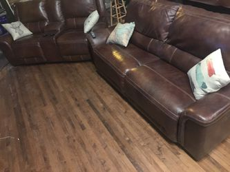 """Ashley Jayron Sofa Power Recliner and Loveseat Power Recliner - Real Leather - Covered by Warranty - Free 60"""" TV for Sale in Chicago,  IL"""