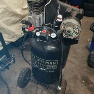 Craftsman 30 Gallon Air Compressor for Sale in Staten Island, NY