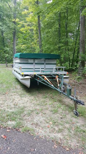 PONTOON BOAT MOTOR &TRAILER for Sale in Niles, OH