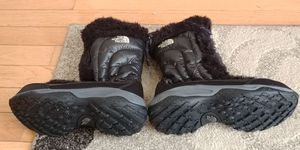 Girls North Face snow boots for Sale in Locust Grove, VA