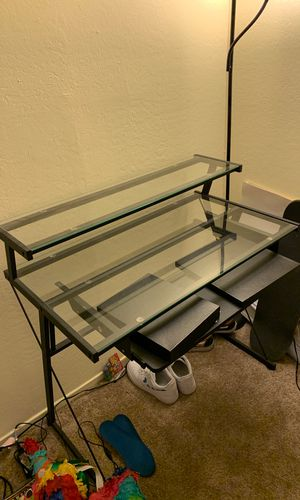 GLASS DESK NEED GONE NOW for Sale in Daly City, CA