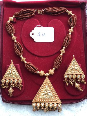 South Indian style costume jewelry set for Sale in Clarksburg, MD