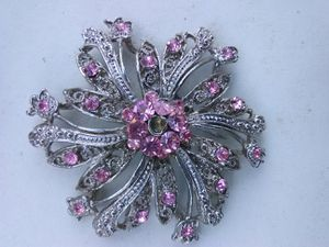 Pink Crystal brooch- Great Valentine's Day Gift for Sale in Washington, DC
