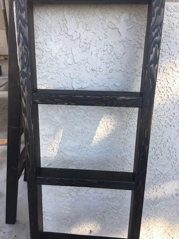 Ebony black blanket throw ladder