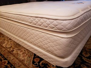 "Queen Pillowtop Mattress 16"" set box spring bed frame for Sale in Lynnwood, WA"