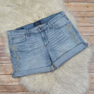 Lucky Brand | 'The Roll Up' Embroidered Jean Short- SZ 14/32 for Sale in Las Vegas, NV