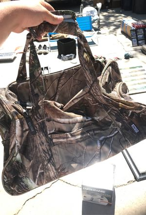 Camo duffle bag for Sale in Turlock, CA