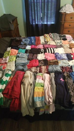 Womans cloths, over 75 pieces for Sale in Ruskin, FL