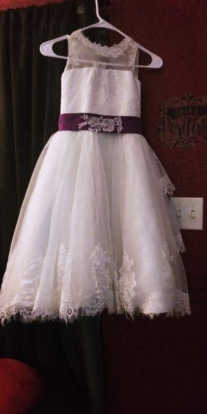 Size 6/7. Lace flower girl dress for Sale in Phoenix, AZ