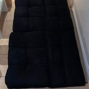 Black Futon for Sale in Los Angeles, CA