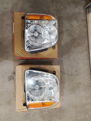 GMC YUKON HEADLIGHTS for Sale in Crest Hill, IL