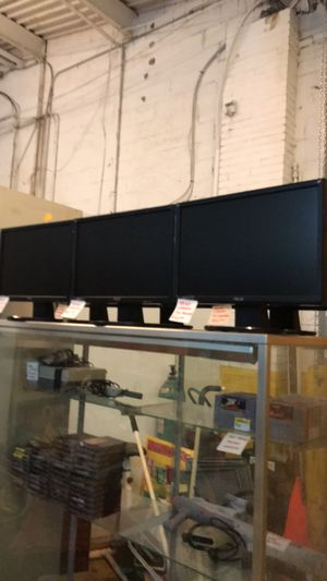 """Dell and ASUS. 19"""" computet monitors for Sale in East Saint Louis, IL"""
