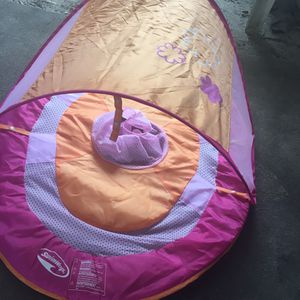 Baby float like new for Sale in Milton, FL