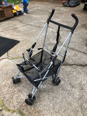 MacLaren Easy Traveller stroller for Sale in Tacoma, WA