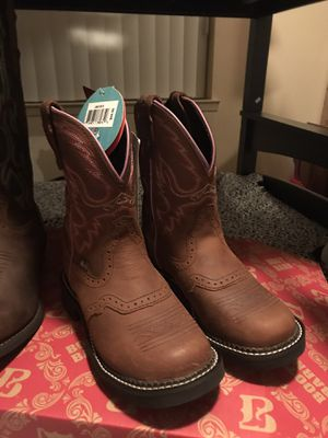 Justin girls boots size 5 BRAND NEW for Sale in Fresno, CA