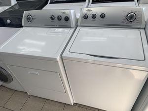 Whirlpool washer dryer set (gas dryer) for Sale in Dearborn, MI