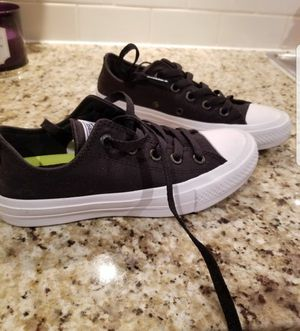 Converse women size 5.5 for Sale in Cedar Park, TX