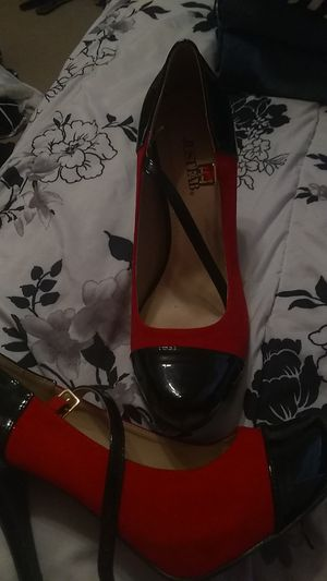 JustFab red black heels size 8 for Sale in Hillsboro, MO