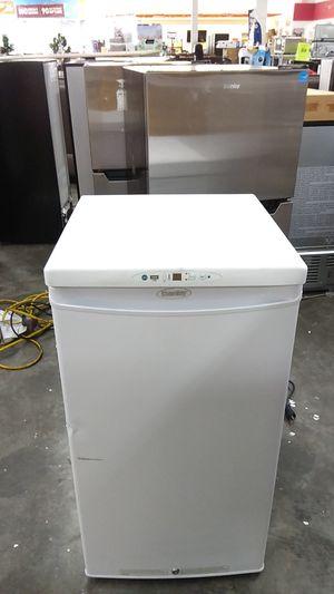 Mini fridge for Sale in West Covina, CA