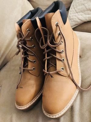 New woman's boots size 7 $$$35 for Sale in Fontana, CA