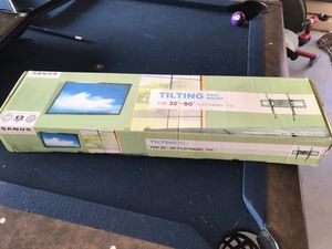 "Sanus tilting flat tv wall mount for 32-80"" for Sale in Lodi, CA"