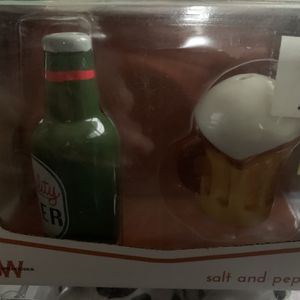 Cow salt and pepper shakers bottle of beer and mug salt and pepper shakers for Sale in Columbus, OH