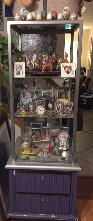 Display case for Sale in Rancho Cucamonga, CA