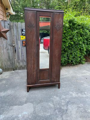 Antique wardrobe for Sale in Lithia Springs, GA