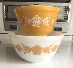 Vintage Pyrex Mixing Bowls, Butterfly Gold, 401 402 for Sale in Lacey, WA