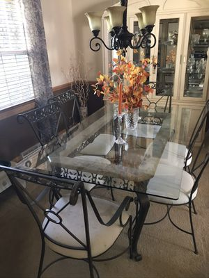 Dining room table and china cabinet for Sale in Zelienople, PA